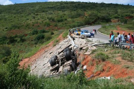 Local do acidente na BA-026 - Pé de Serra.