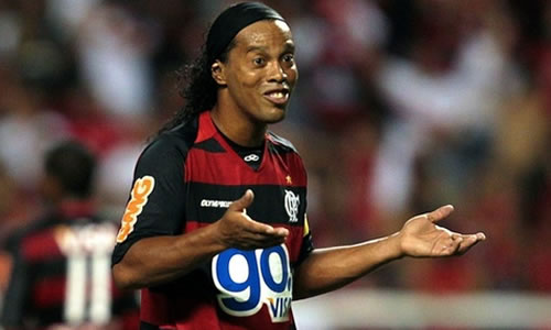 http://arymoura.files.wordpress.com/2011/02/ronaldinho-gaucho.jpg